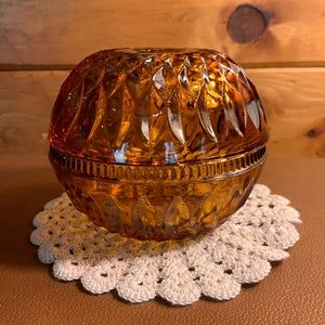 Vintage Indiana glass round amber fairy lamp